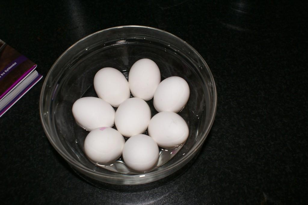Romtemperering av egg - lunket vann