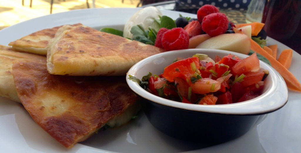 Tortillalefse med salsa